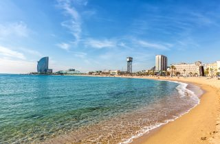 Barcelona beach - find the perfect combination of relaxation and culture in Barcelona.