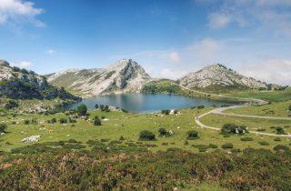 Montañas, lagos y naturaleza en su máxima expresión